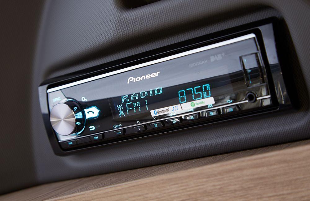 2020 Coachman Laser 665 Pioneer Radio